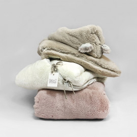 SOFT BEIGE TEDDY ANGEL NEST