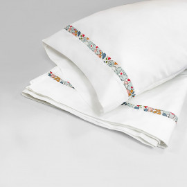 BETSY CRIB SHEET & PILLOW SET